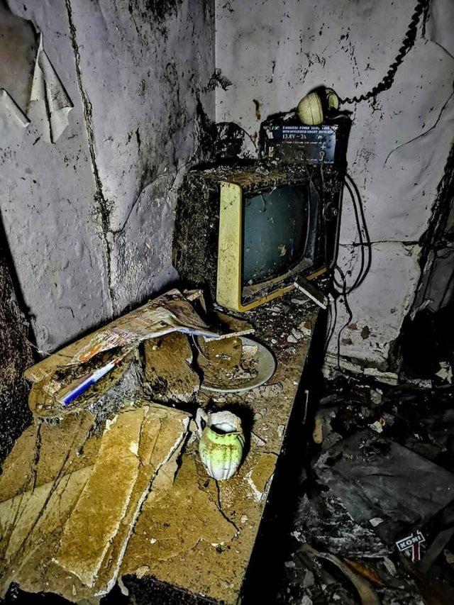 Как выглядит внутри дом, заброшенный почти 20 лет назад