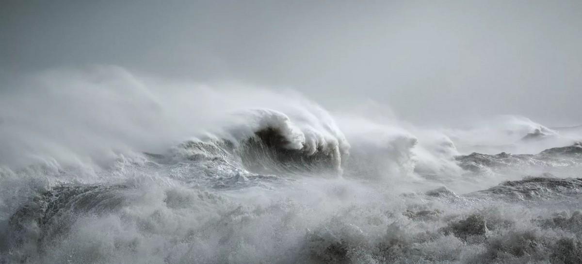 Красота бушующих волн на снимках Рейчел Талибарт