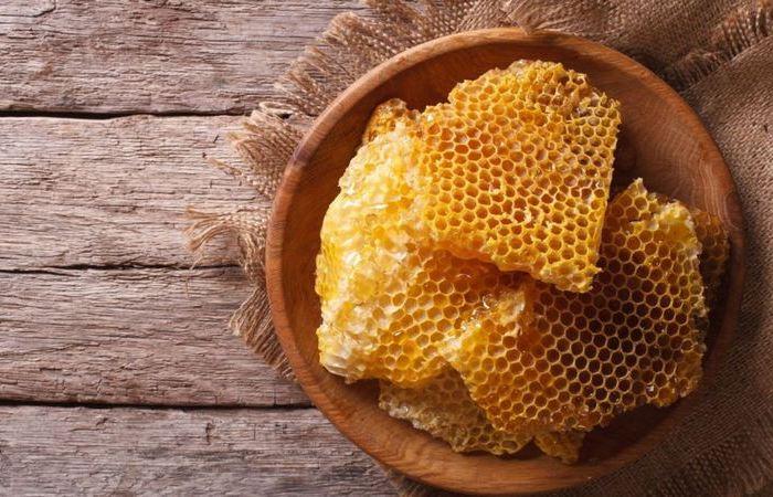 Можно ли есть с мёдом и пчелиный воск