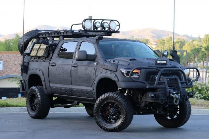 Пикап Toyota Tundra, способный пережить зомби-апокалипсис (ФОТО)