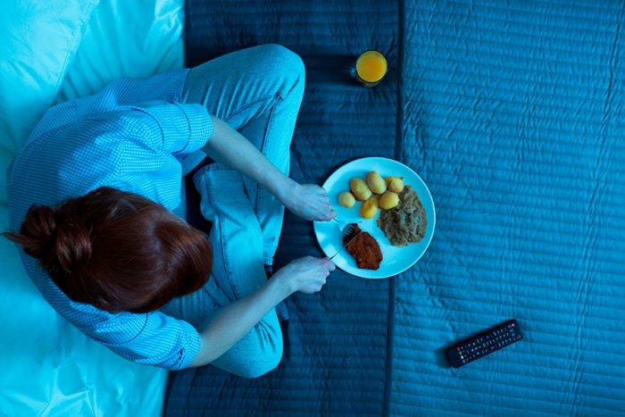 Вредно ли есть перед сном: миф или правда?