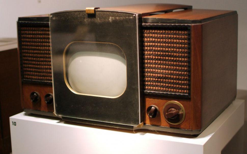 Как выглядели бытовые приборы в прошлом веке