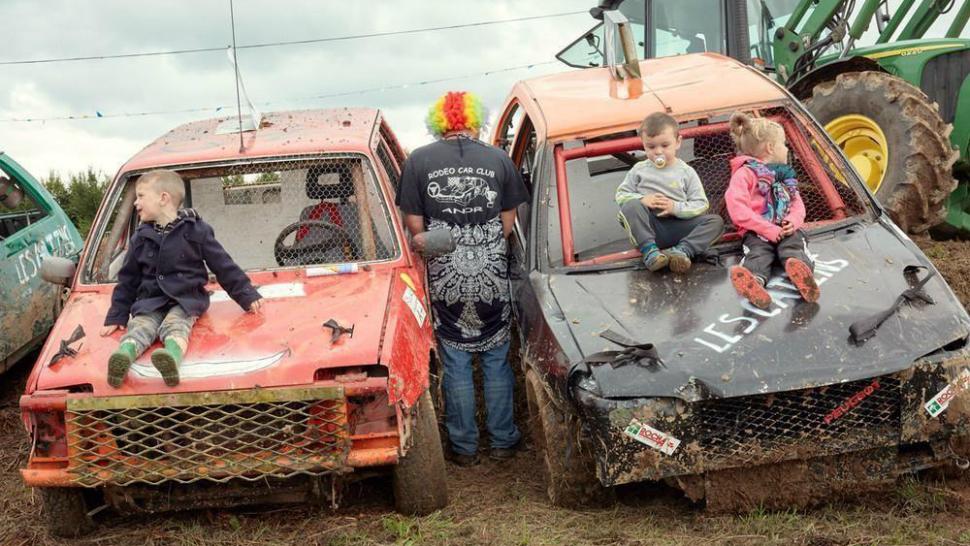 Автомобильное родео или как развлекаются простые французы (ФОТО)