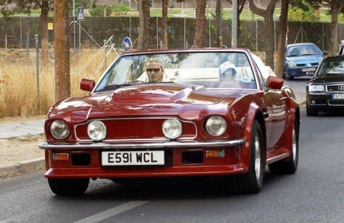 Кабриолет Aston Martin V8, которым владел Дэвид Бекхэм (ФОТО)