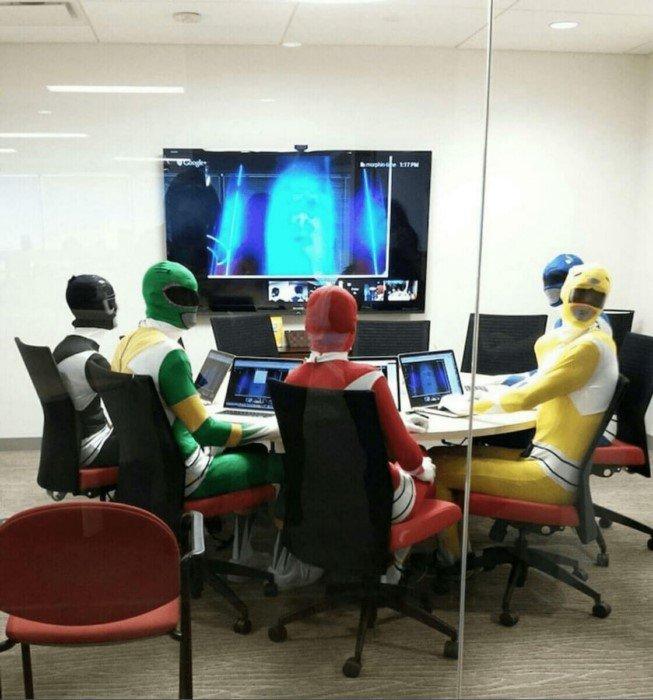 Они знают, как разнообразить скучные офисные будни