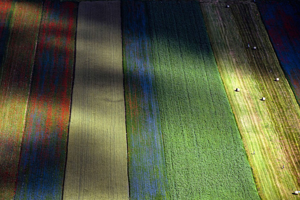 Кастеллуччо - прогулка по разноцветной долине Италии