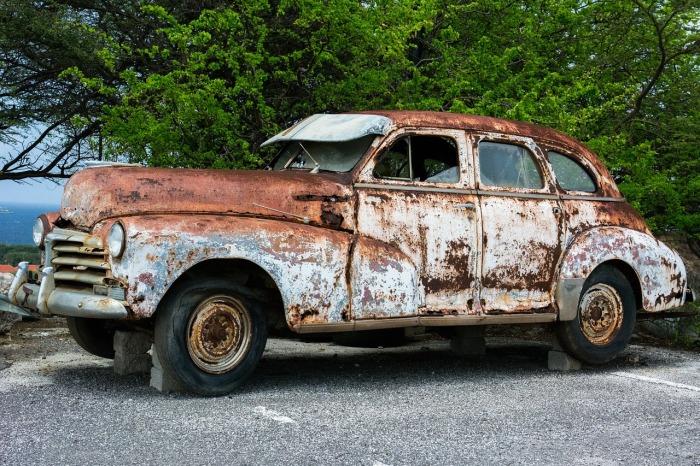 Причины, по которым пора избавиться от старого автомобиля (ФОТО)