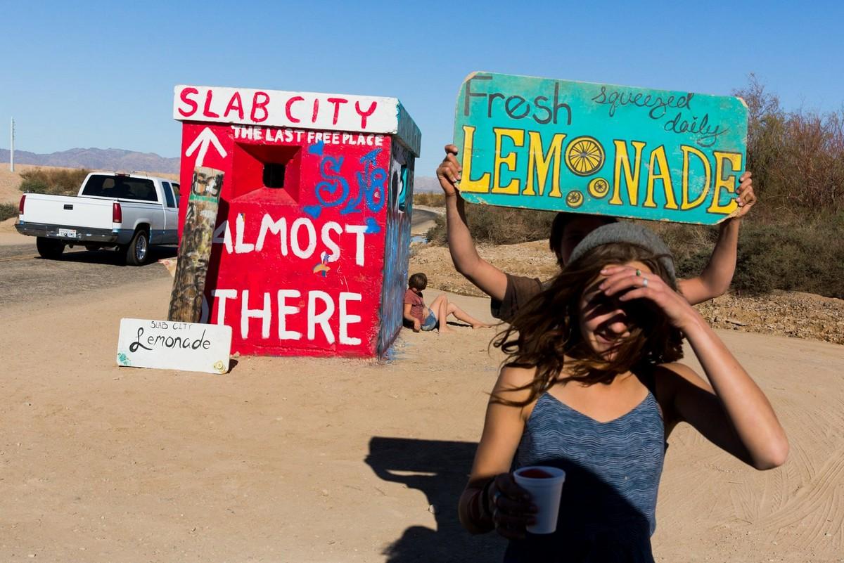 Снимки из Слэб-Сити — последнего свободного места в США