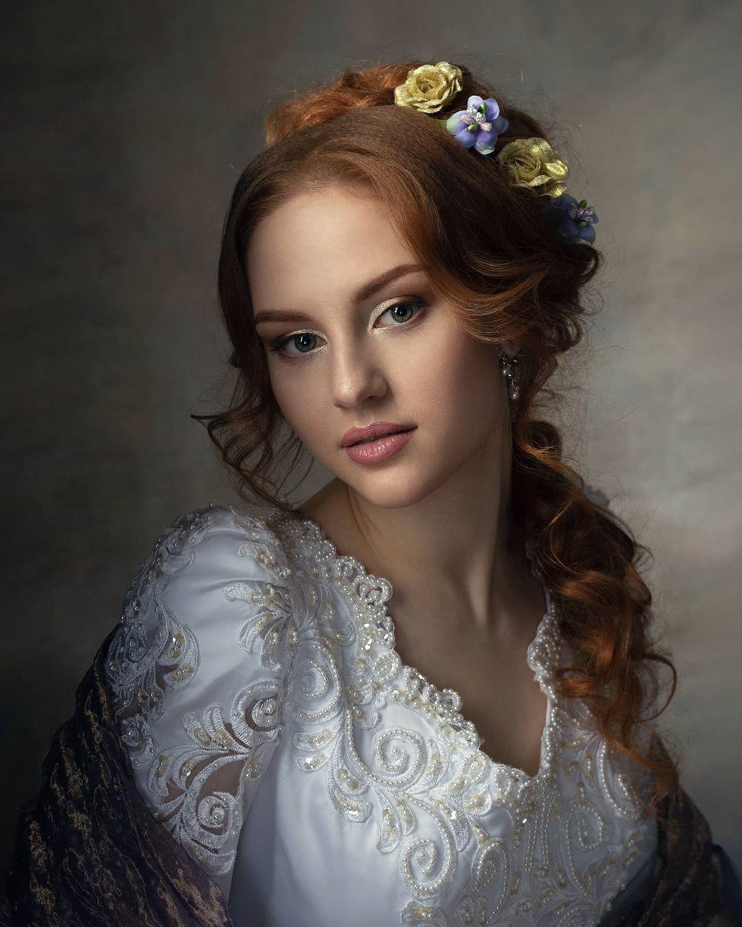 Выразительные портреты девушек от Дмитрия Луцевича