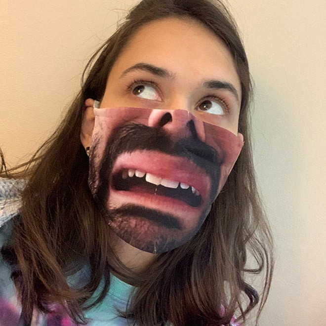 Забавные реалистичные маски для лица, которые вызовут улыбку у окружающих