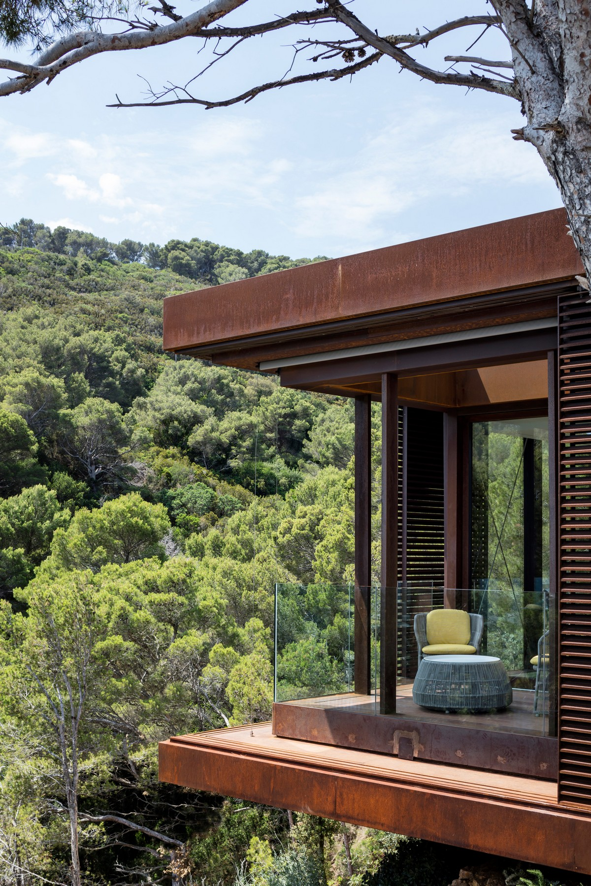 Гостевой павильон как расширение дома в Испании