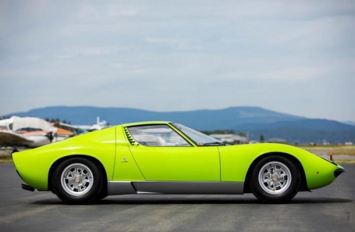 Легендарная модель Lamborghini Miura P400