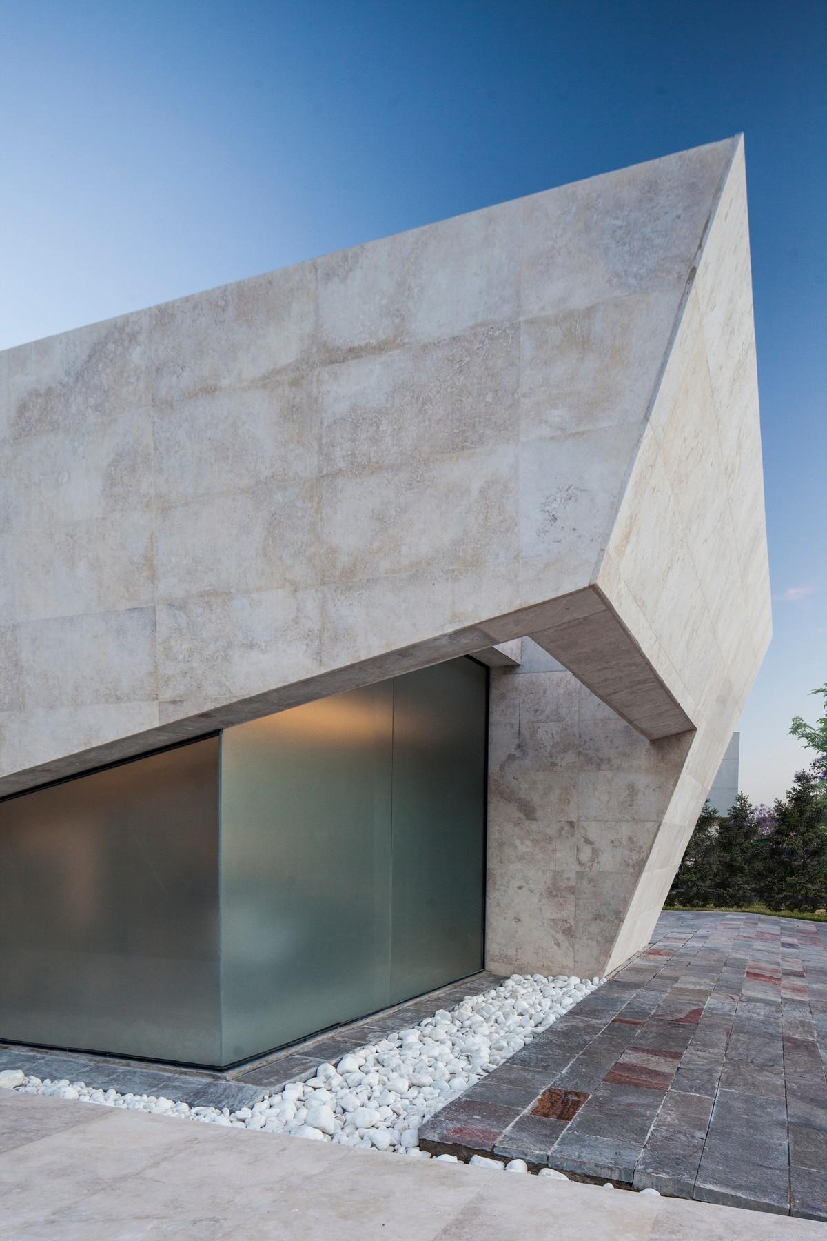 Мраморный дом в Аргентине