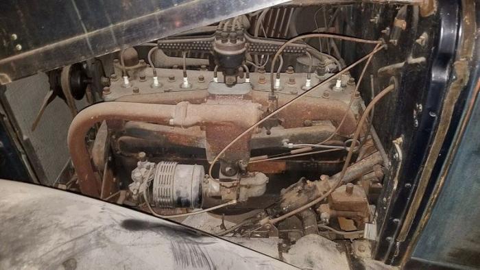Редкий Graham Model 57 1932 года стоит в обычном сарае уже 55 лет