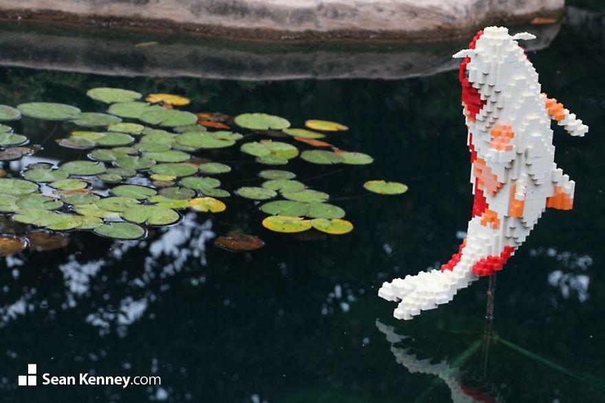 В зоопарке Сан-Антонио выставили копии диких животных из LEGO