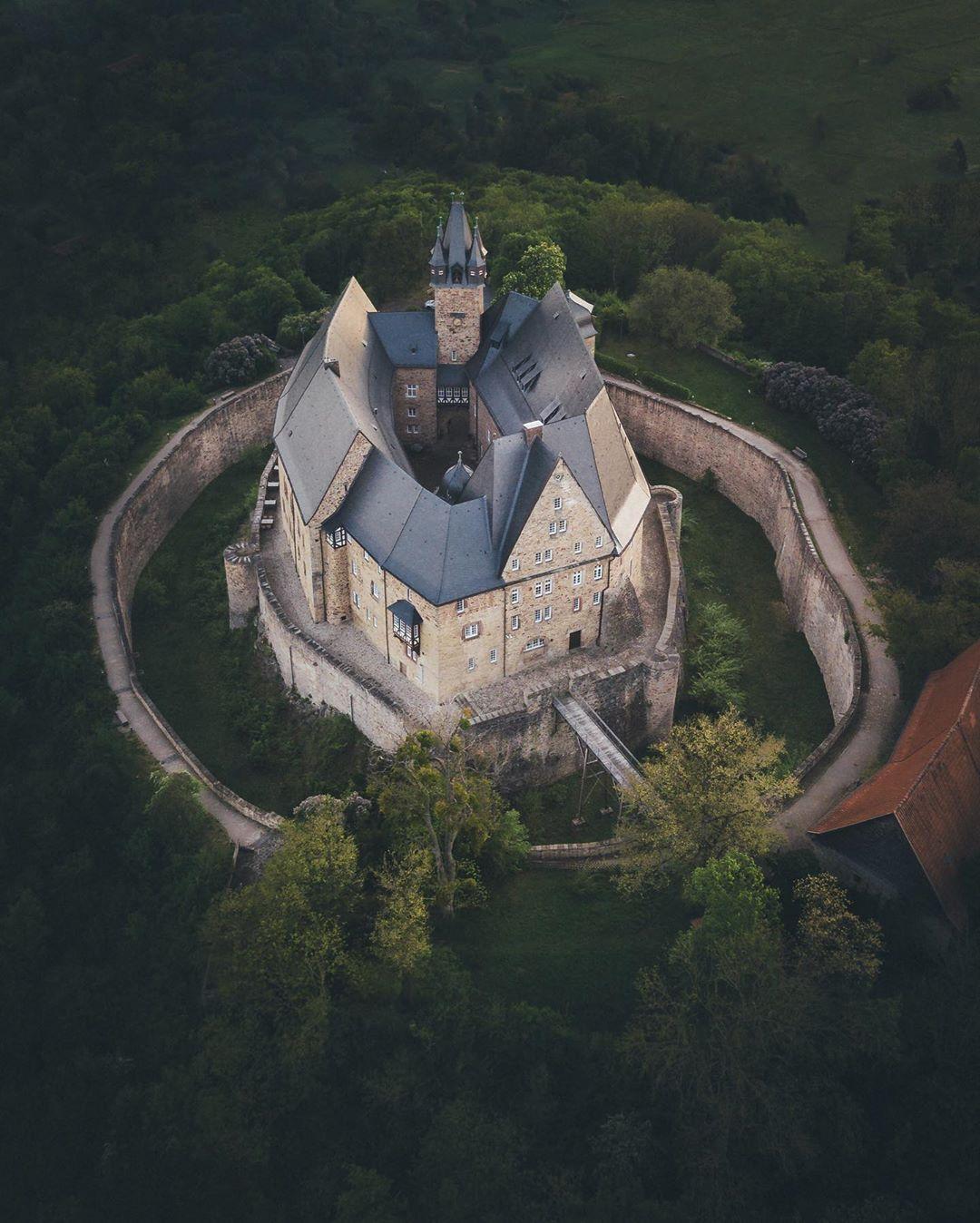 Путешествия и замки на снимках Христофа Шляйна