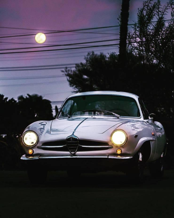 Стильные и приятные автомобили на снимках