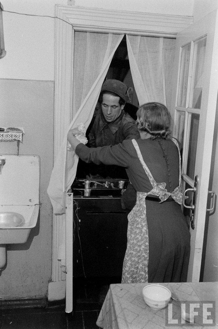 Фоторепортаж о жизни простых советских граждан в 1950-х