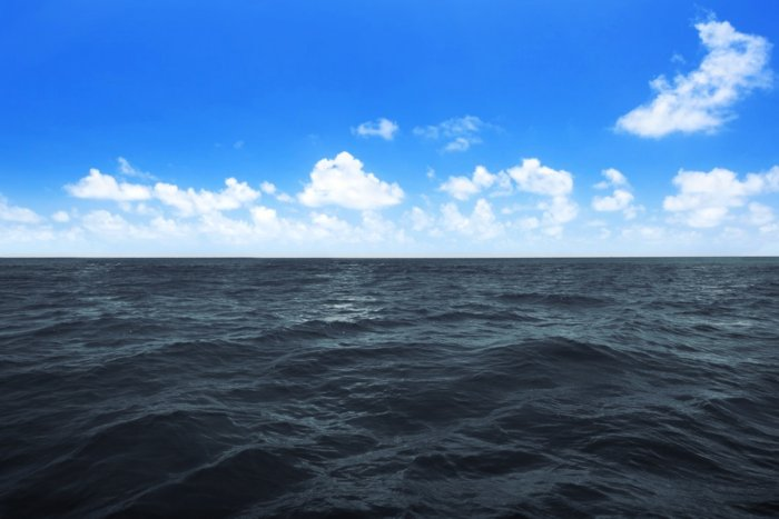 Почему Черное море называется черным?