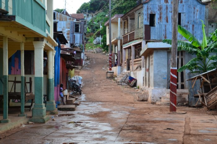 5 стран мира с большими залежами ресурсов, но бедным населением