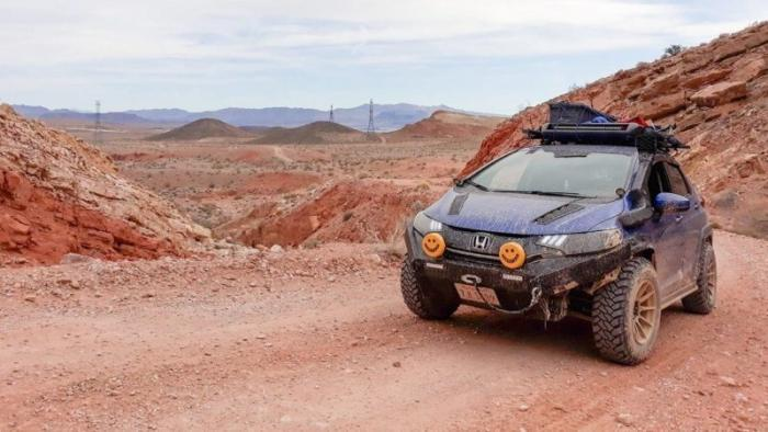 Хэтчбек Honda превратили во внедорожник для исследования шахт