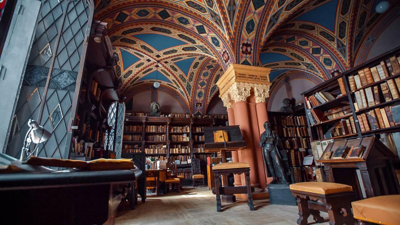 Самые красивые среди библиотек России