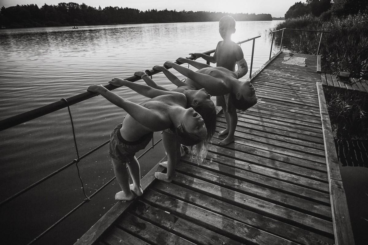 Беззаботное детство на черно-белых снимках Изабелы Урбаниак