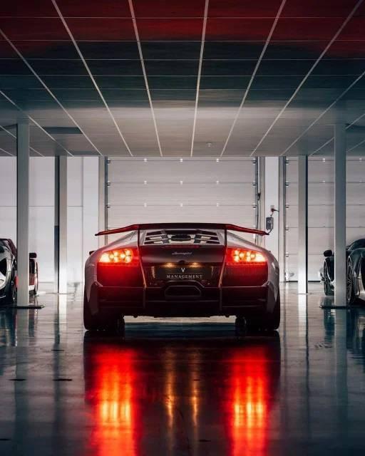 Крутые автомобили на снимках для настоящих ценителей
