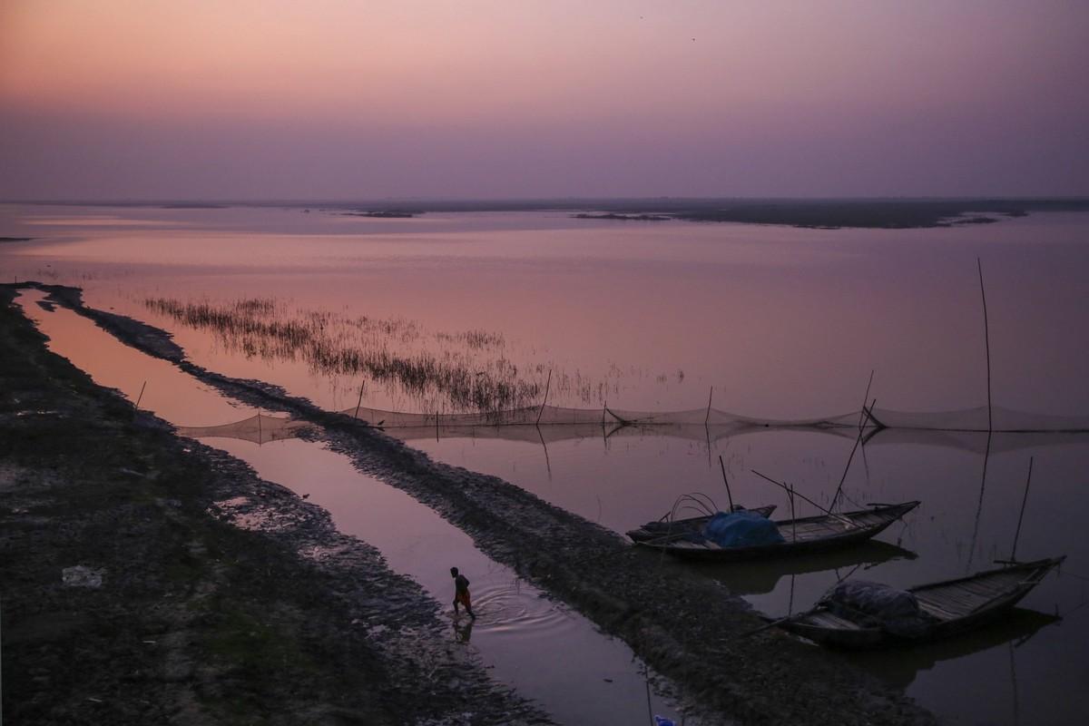 Священная река Ганг в Индии страдает от загрязнений
