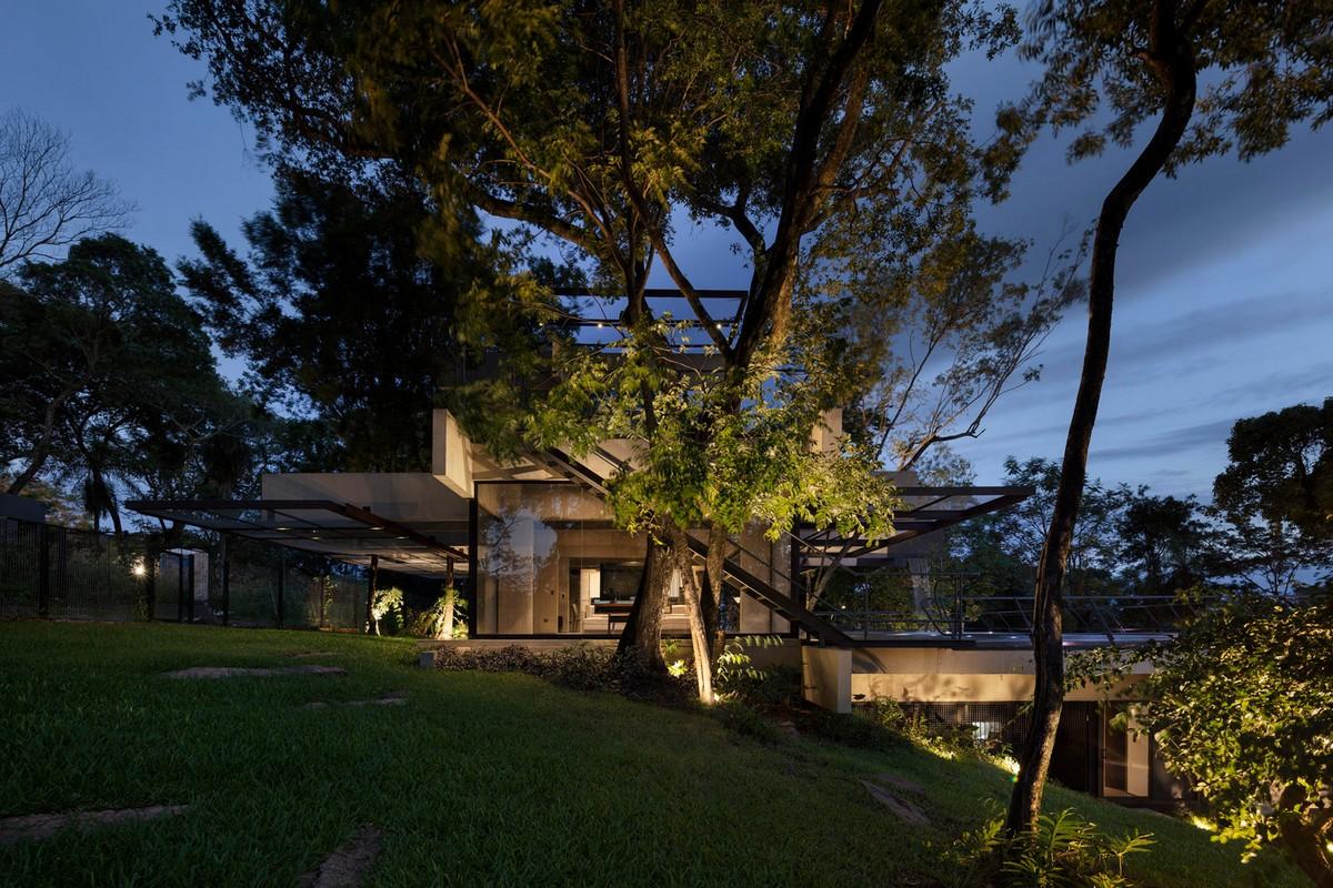Дом на живописном склоне в Парагвае