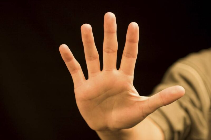 Популярные жесты, которые в некоторых странах могут создать проблемы