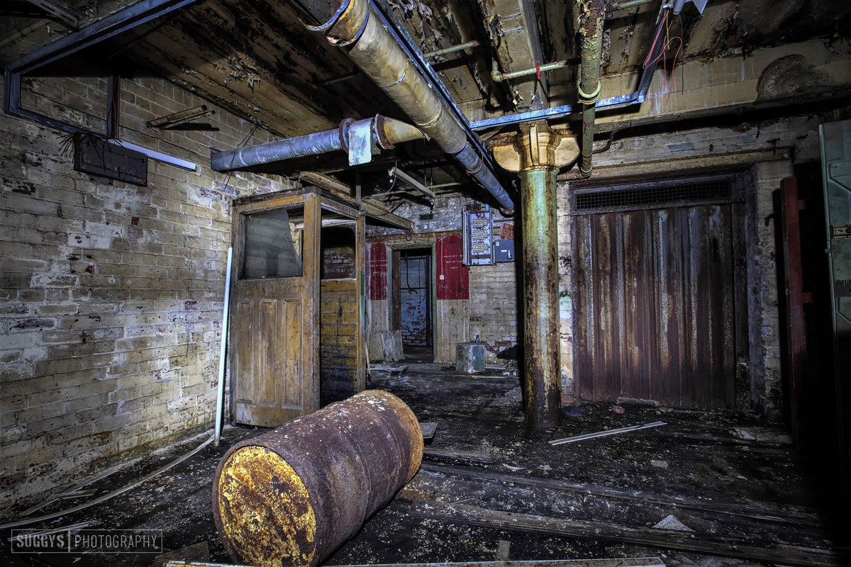 Заброшенные места Великобритании на снимках Саймона Сагдена
