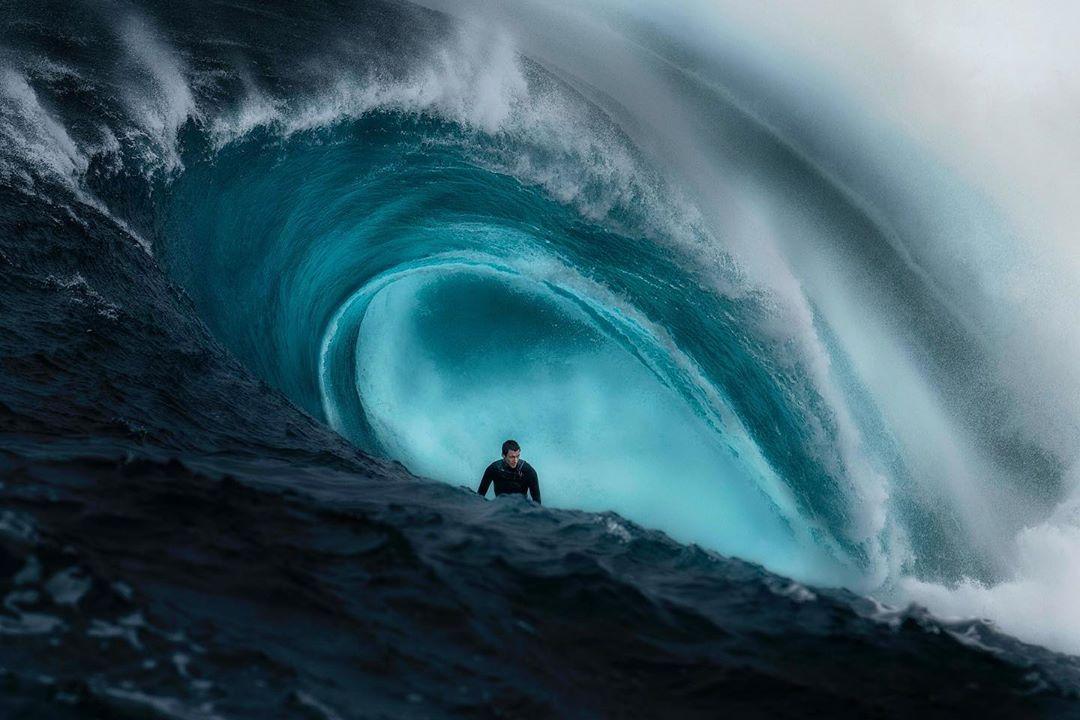 Мощь и красота бушующих волн Австралии на снимках Рена Макганна
