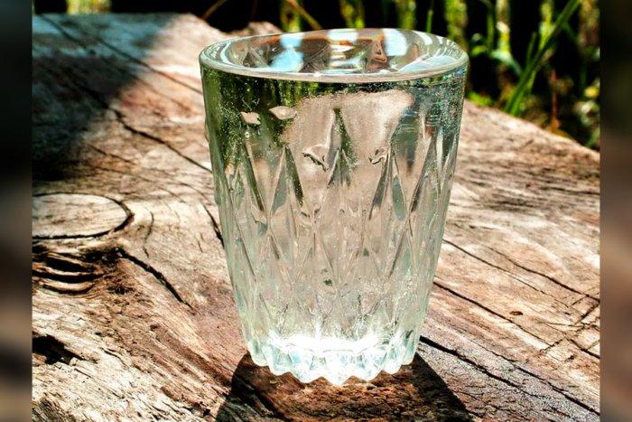 Почему перед смертью просят стакан воды
