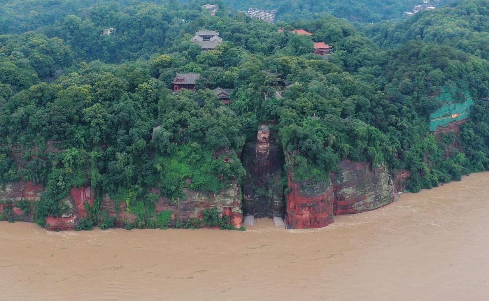 Разрушительные наводнения в Китае 2020