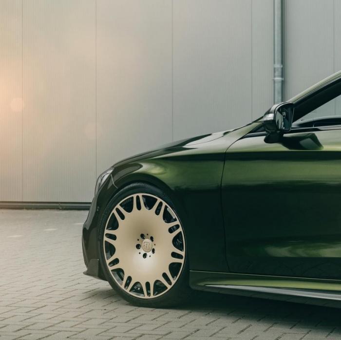 Тюнингованный Mercedes-AMG S63, как способ обратить на себя внимание