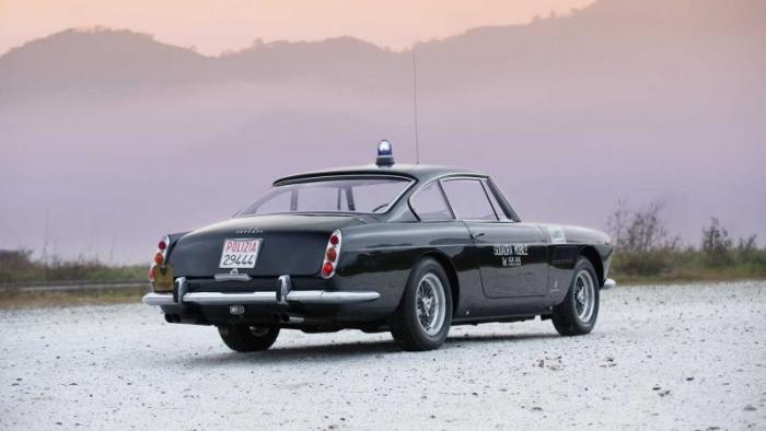 Ferrari по прозвищу Пантера, которая работала в полиции