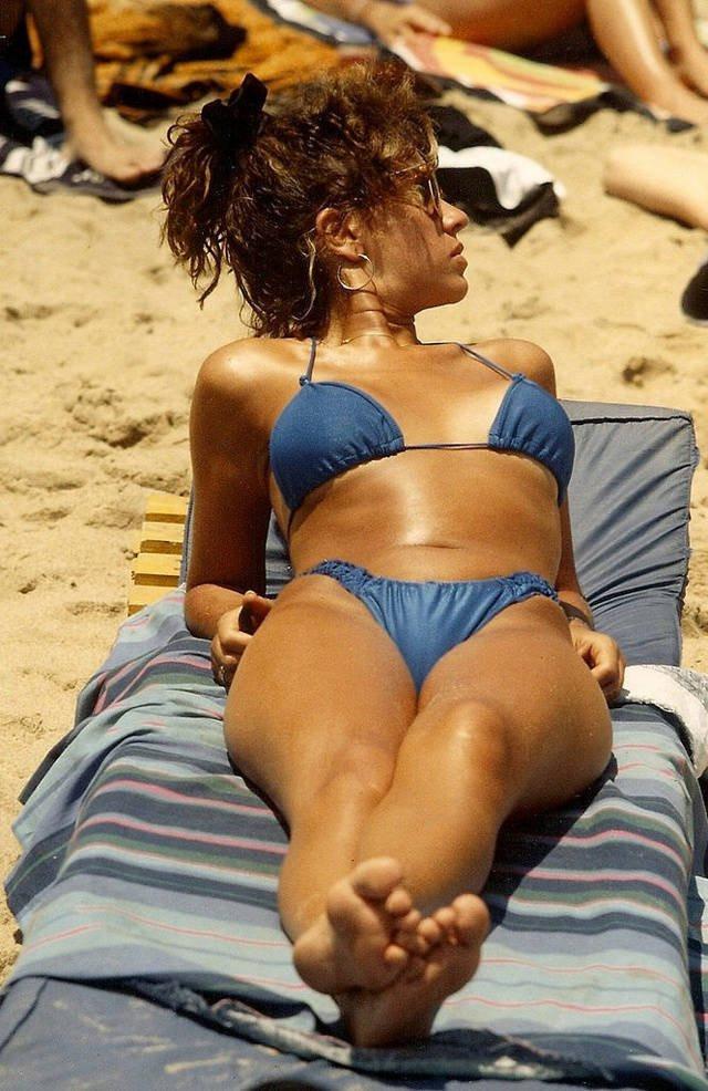 Яркая пляжная жизнь 1980-х годов на снимках