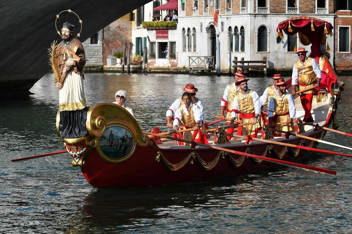 Ежегодная зрелищная Историческая Регата в Венеции