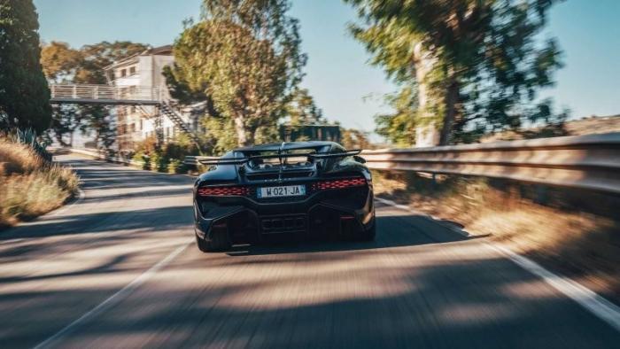 Историческая встреча Bugatti Divo и его старшего брата Type