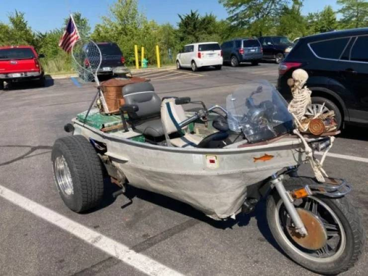 Странные автомобили и необычный транспорт на дорогах