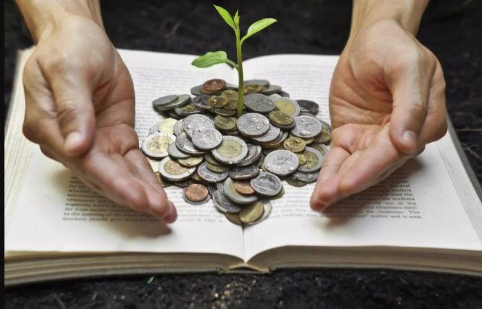 Книги, которые помогли знаменитостям стать богатыми и успешными