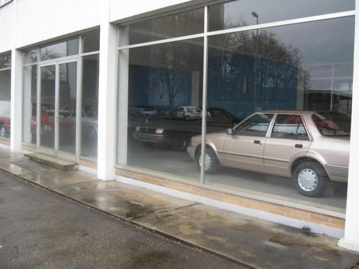 Заброшенный дилерский центр Ford в Германии пустует уже 30 лет