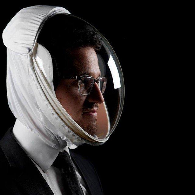 Модифицированный космо-шлем с USB зарядкой