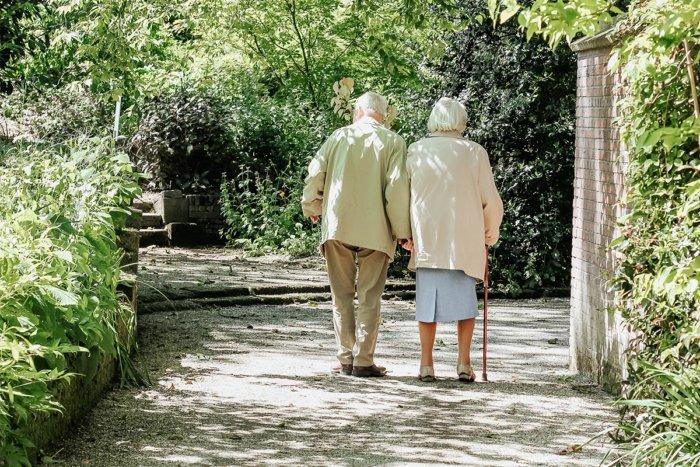 Почему пожилые люди рано просыпаются
