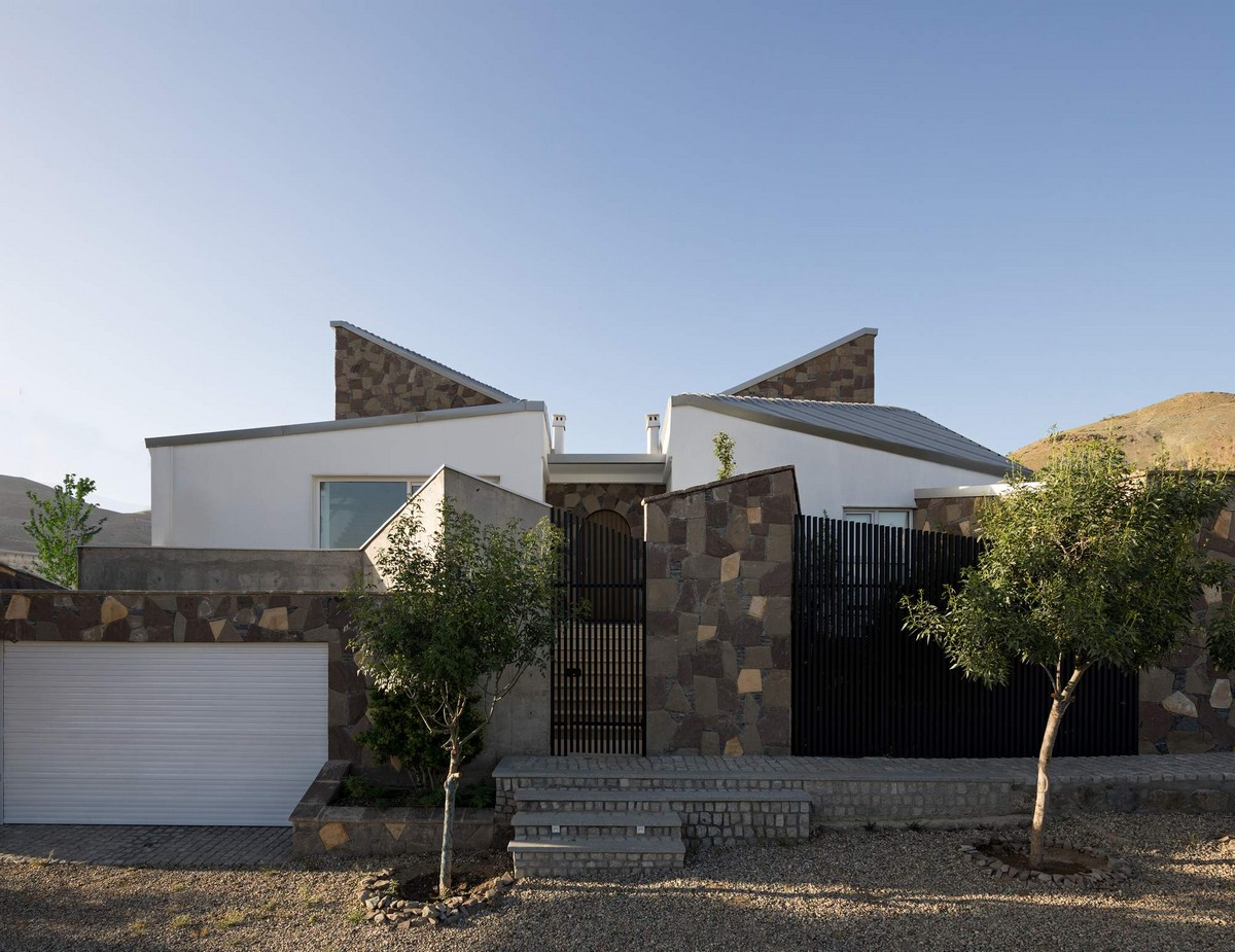 Роскошный двухэтажный дом в Тегеране