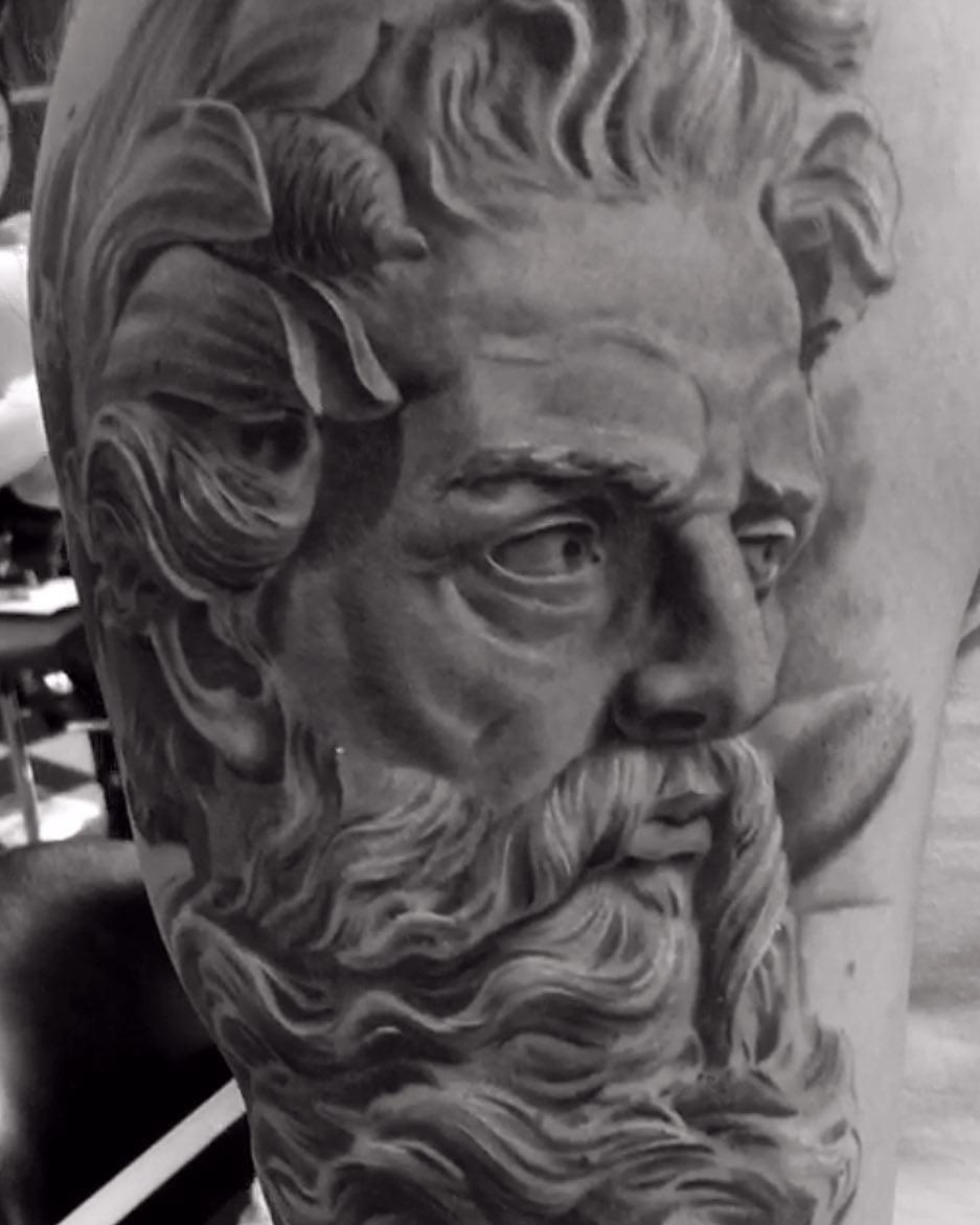 Татуировки в древнегреческом и римском стиле