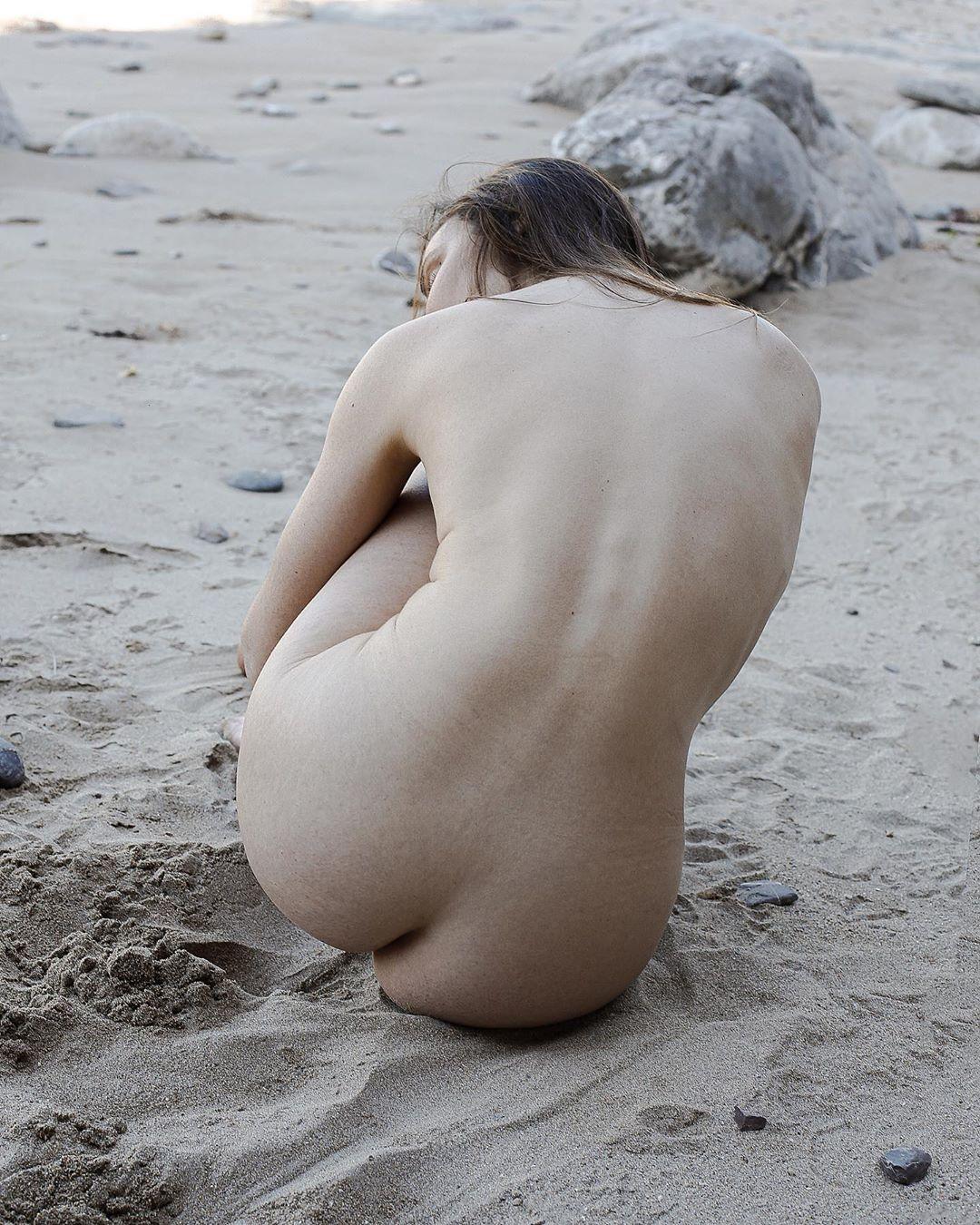 Чувственные снимки девушек от Сесилии Пингве