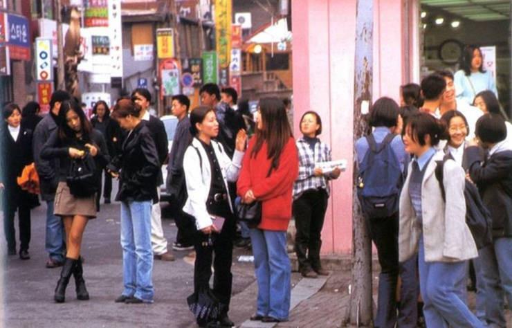 Корейская уличная мода из 1990-х на снимках