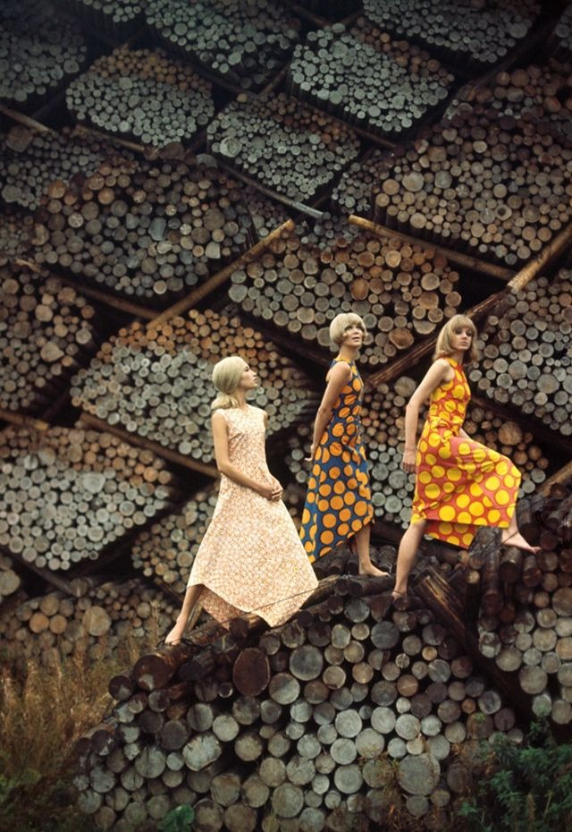 Винтажные кадры с красотками середины прошлого века от Тони Ваккаро